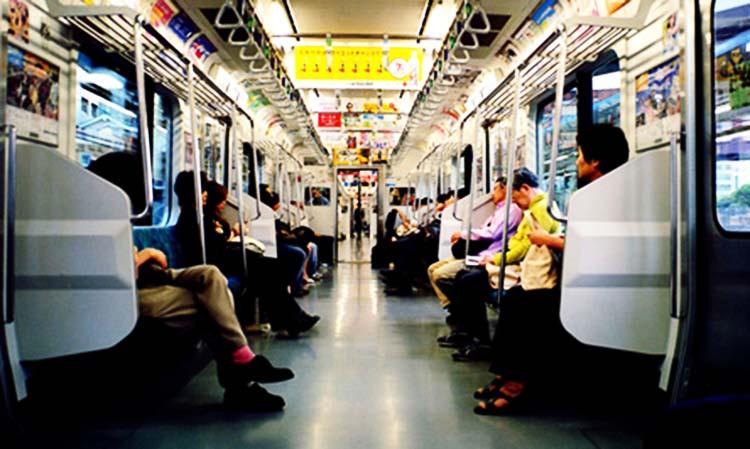 Một số loại ghế trên tàu điện ở Nhật