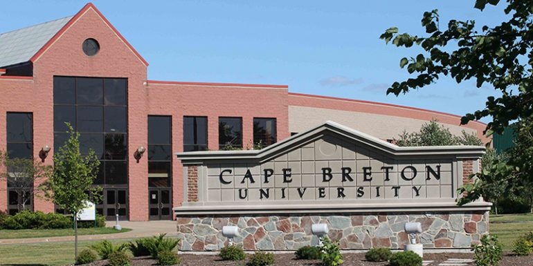 Trường Cape Breton University du học Canada