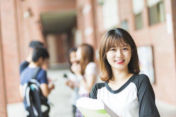 Du học nước ngoài giúp bạn được tiếp xúc với môi trường học tập mới
